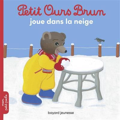 Petit Ours Brun Joue Dans La Neige